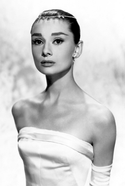 212fde66690 Audrey Hepburn Fashion Icon on Audrey Hepburn Fashion Throughout The  Decades Has Transitioned In