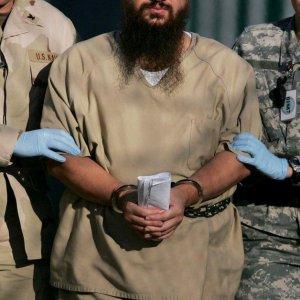 Al Queda Prisoner Loose img01