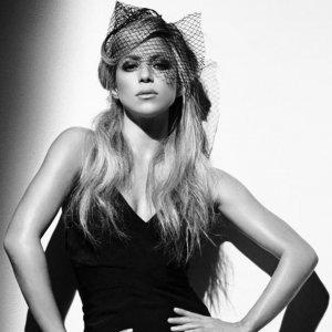 She is Shakira img01